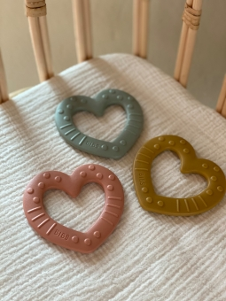 4 BIBS Gryzak dla niemowląt BABY BITIE serce SAGE
